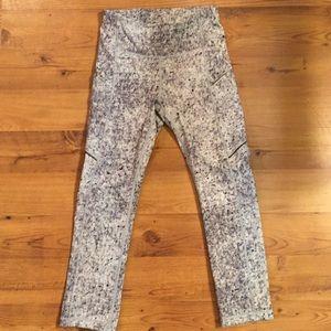 Lululemon Tights 7/8ths W/Side Pockets